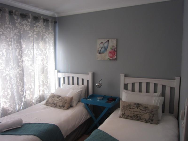 4 Bedroom House (4)